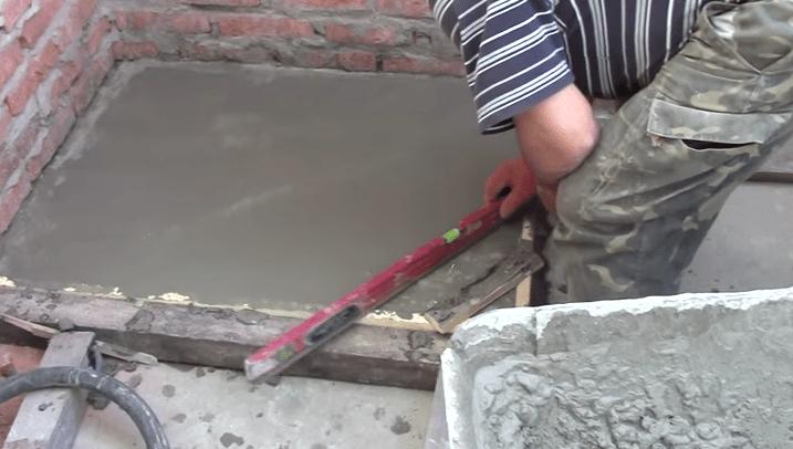 Если планируете поднять фундамент над линией пола, используйте опалубку