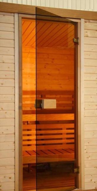 Стеклянная дверь после установки