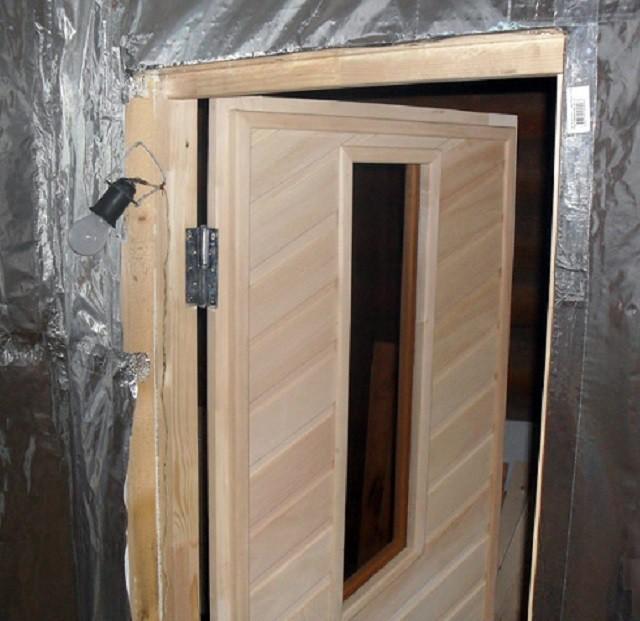 Как утеплить дверь в предбаннике своими руками132