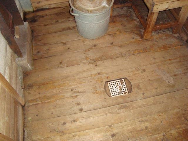Пример деревянного непротекающего пола