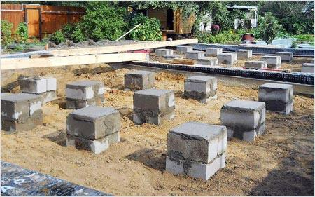Столбчатый фундамент из блоков