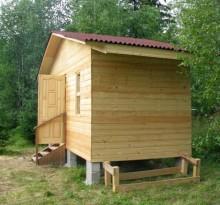 Маленькая баня на даче