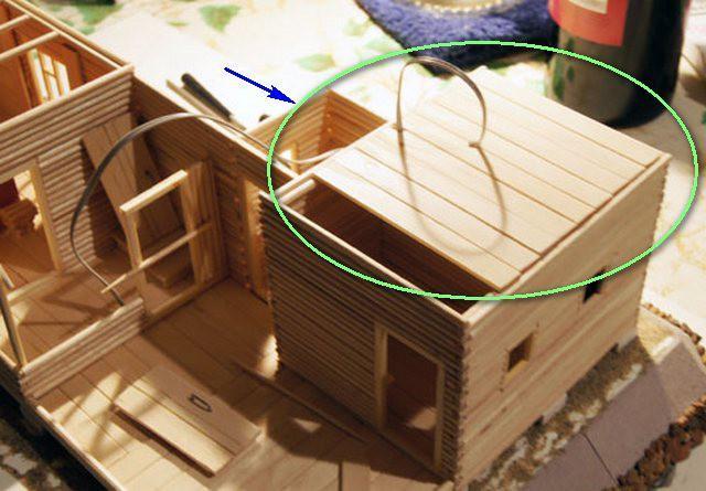 Настильный потолок - на миниатюрном макете бани