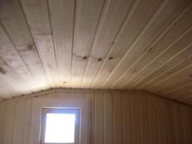 Выбор необходимой высоты потолка в бане