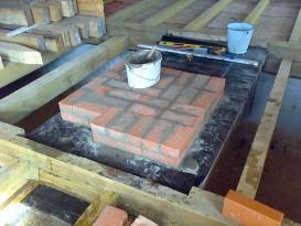 Начало строительства печи на гидроизолированном фундаменте