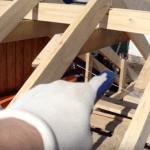 На фото - стойки для усиления конструкции