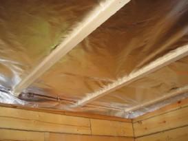 Пароизоляция потолка в бане фальгой