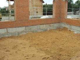 Подготовка площадки и засыпка песчаной подушки