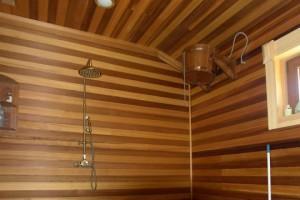 Потолок в моечной бани