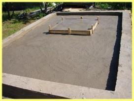 Фундамент для кирпичной печи обустраивается вместе со строительством бани