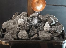 Можно ли лить воду на камни?
