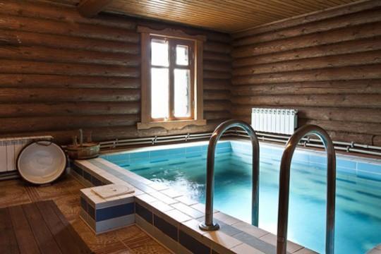Бассейн в бане займет достаточно много места
