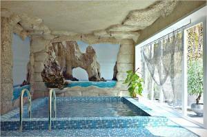 Банный бассейн, облицованный мозаикой