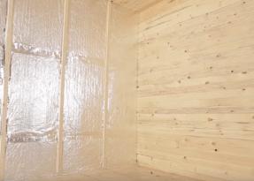 Обшитая вагонкой стена и потолок