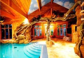 Вариант отделки комнаты с бассейном