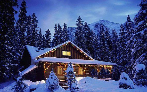 Дом с баней зимой