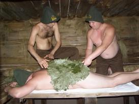 Если принимать банные процедуры без веников, то эффект очищения кожи и польза от процедуры уменьшается