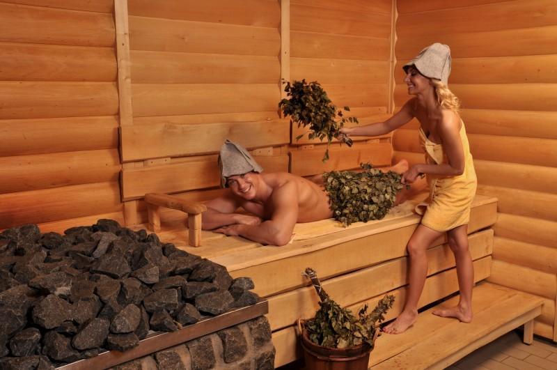 Любительское видео русских девчонок в бане интим любой отрасли