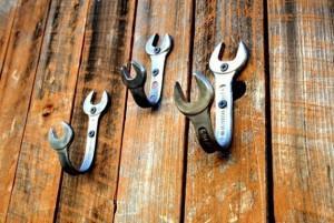 Крючок для одежды, сделан из ключа