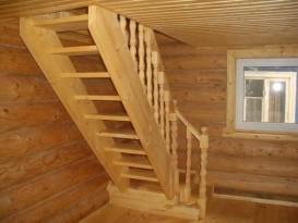 Лестница, ведущая на мансарду