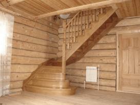 Маршевая лестница поворотная