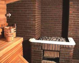 На фото - кирпичная печь и кирпичная перегородка