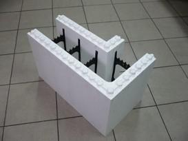 Несъемная опалубка - угловой блок