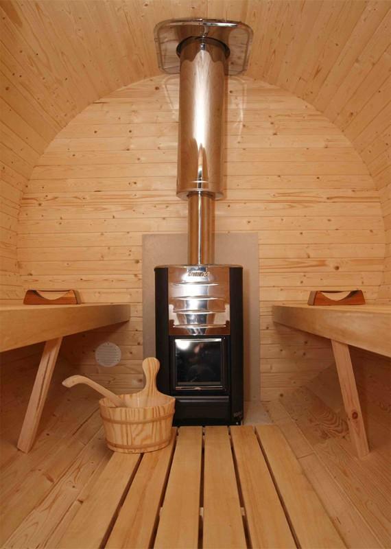 Печь-центральный элемент бани (рис. 10)