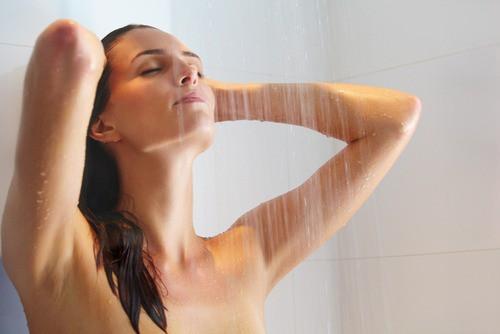 После процедуры надо принять теплый приятный душ