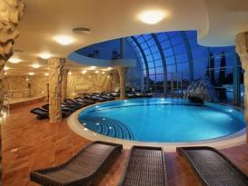 Пример красивого бассейна