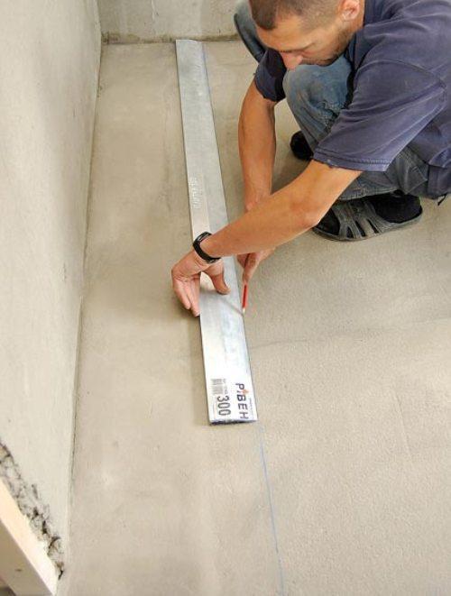 Разметка на полу для укладки плитки