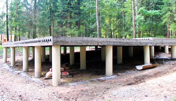 Свайно-ростверковый фундамент - фото готовой конструкции