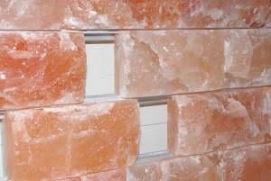 Соляная стена, скрытый монтаж, натуральный кирпич 5 см