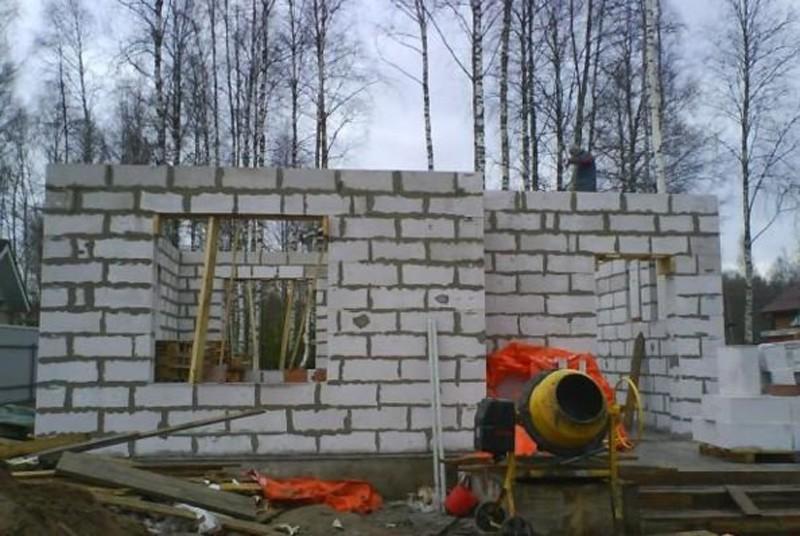 Строительство из самодельных блоков