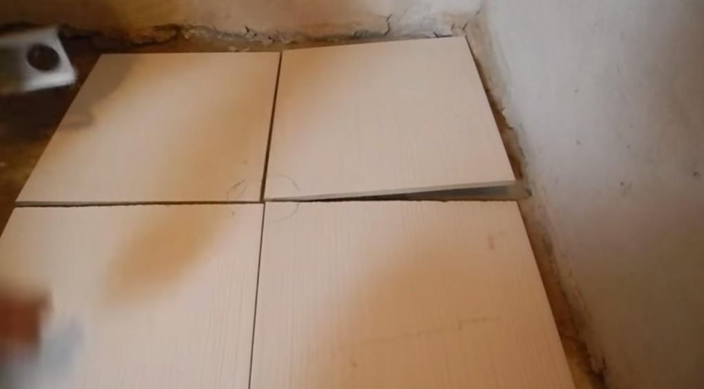 Схема подрезки углов плиток для монтажа сливного трапа