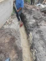 Траншея под канализационную трубу