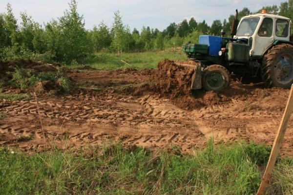 Уборка травы и плодородного слоя