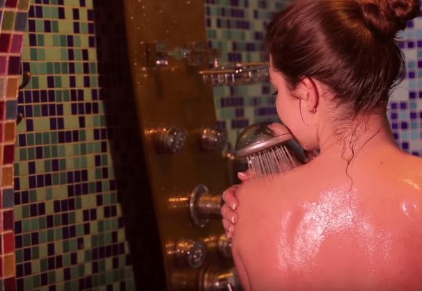 Перед процедурой нужно принять душ