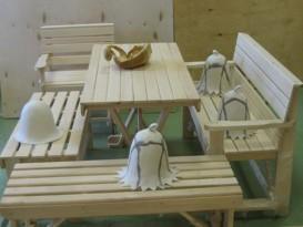 Стол и скамьи для бани