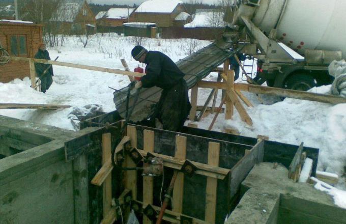 Зимняя заливка фундамента
