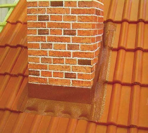 Изоляция дымохода на крыше от воды