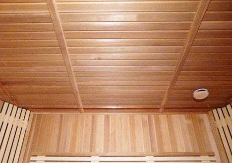 Настильные потолки по несущему каркасу из реек