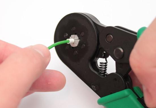 Обжим наконечника с помощью специального инструмента