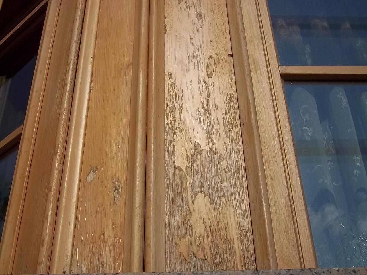 Окно требует серьезной реставрации