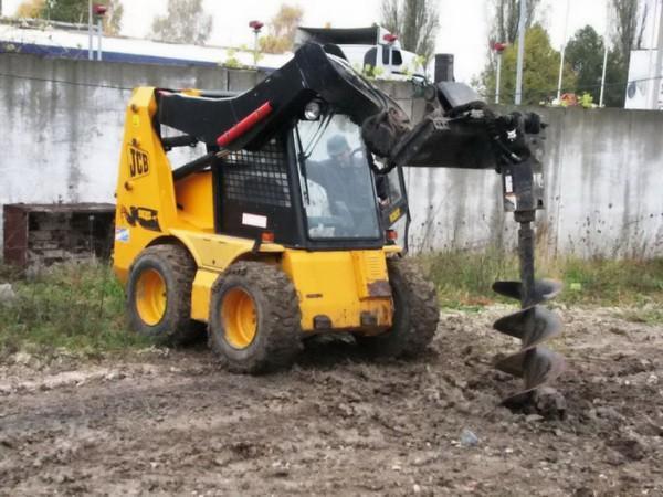 Техника для бурения ям в частном строительстве