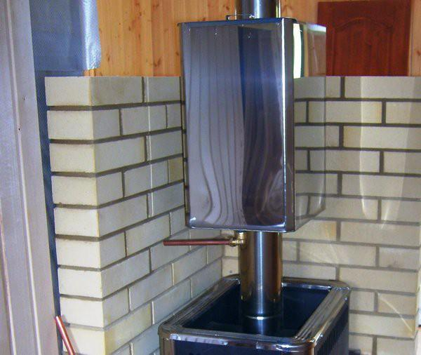 Бак для горячей воды на трубу