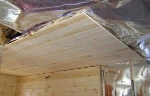 Пароизоляция должна защищать балки потолка