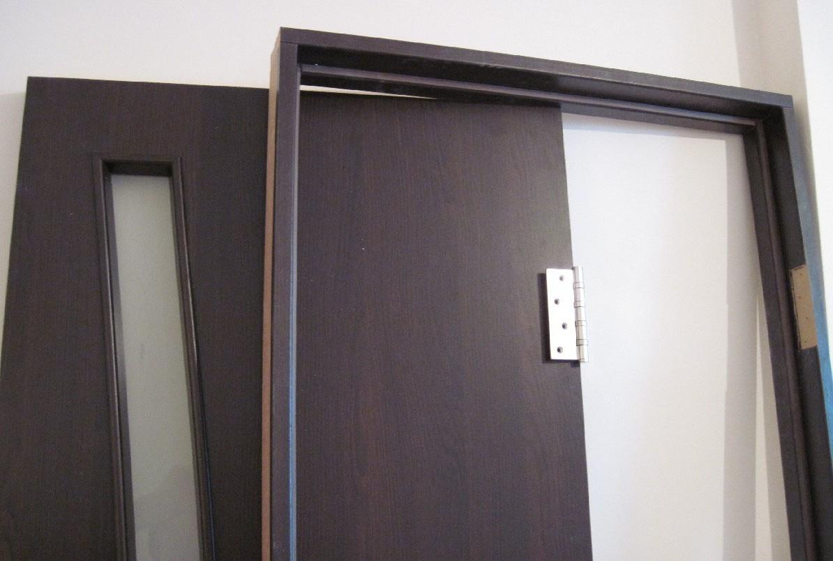 Коробка и дверное полотно