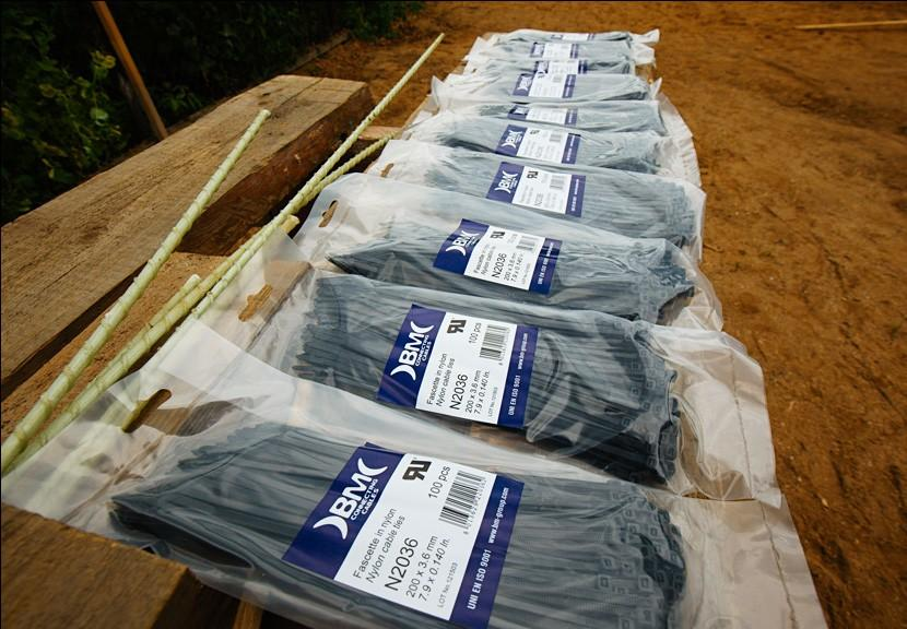Упаковки с хомутами