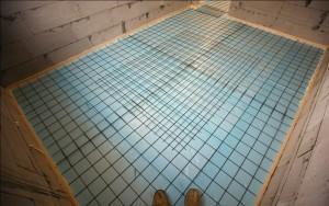 Пример укладки сетки поверх пенопласта